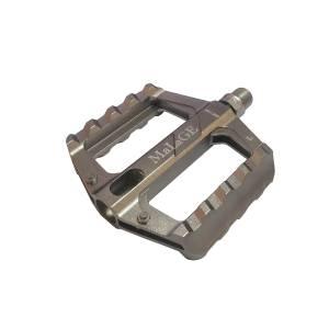Педали mlg-CK626 алюминиевые CNC, 74х100х16мм, ось CrMo, 1 подшипник + 1 втулка скольжения, сменные шипы, вес 266г/пара, в торг.уп
