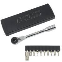 Ключ-трещотка KLS MATE чёрный с 11 битами: шестигранники 2/2,5/3/4/5/6/8, T25/T10, Philips, шлицевая отвёртка; в стильном алюминиевом кейсе
