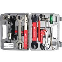 BIKE HAND YC-735-A Чемодан с инструментами большой: &10;Плоская и крестовая отвертка YC-611&10;Стальная монтировка YC-313&10;Выжимка цепи YC-329&10;Регулируемый гаечный ключ YC-610&10;Набор шестигранников 2/2.5/3/4/5/6 мм YC-613&10;Гаечный ключ 8/10 мм YC